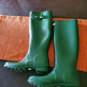 Hunter Tall Green Boots Size EU 39 Used Once